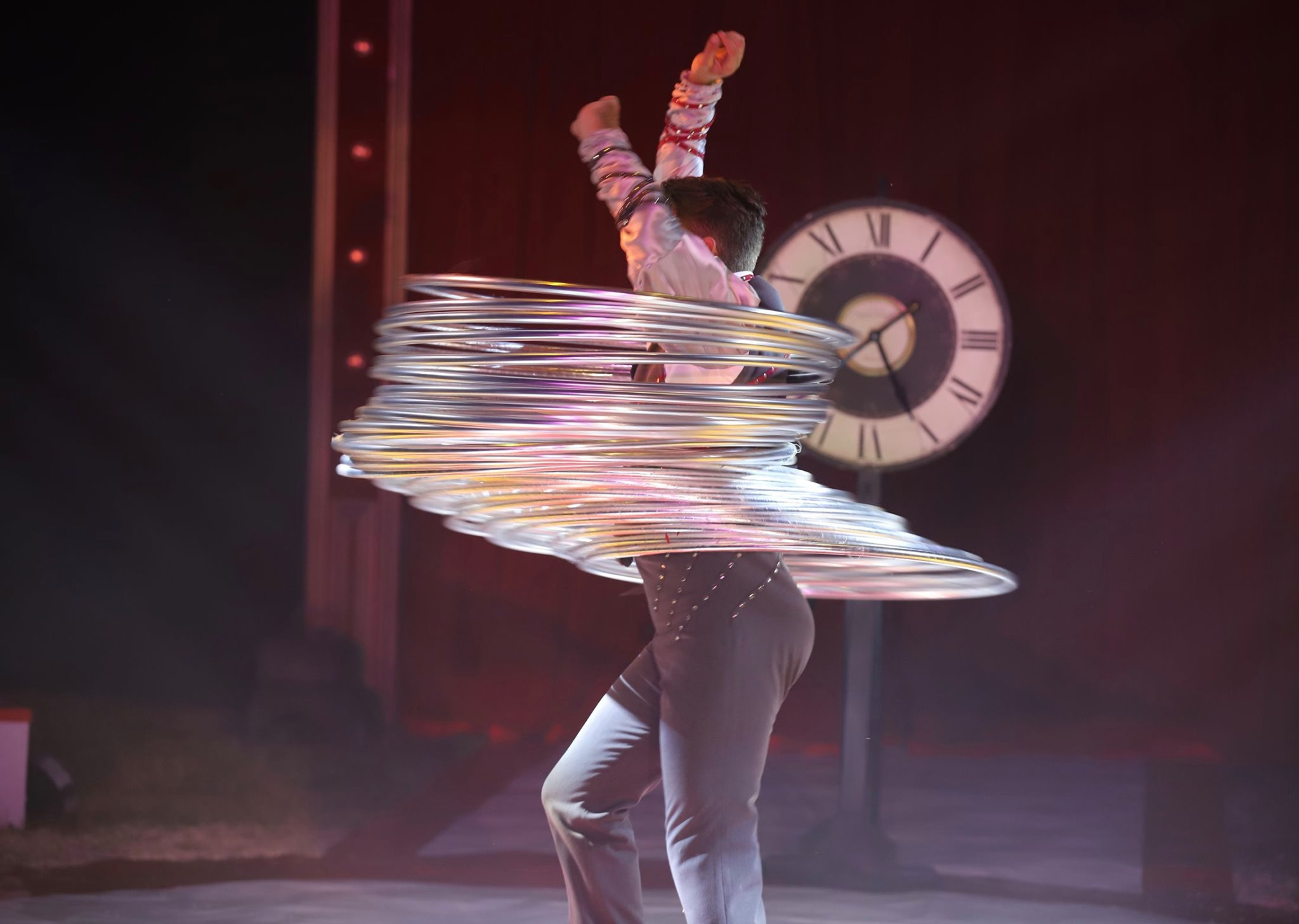 Book this circus artist in The Netherlands