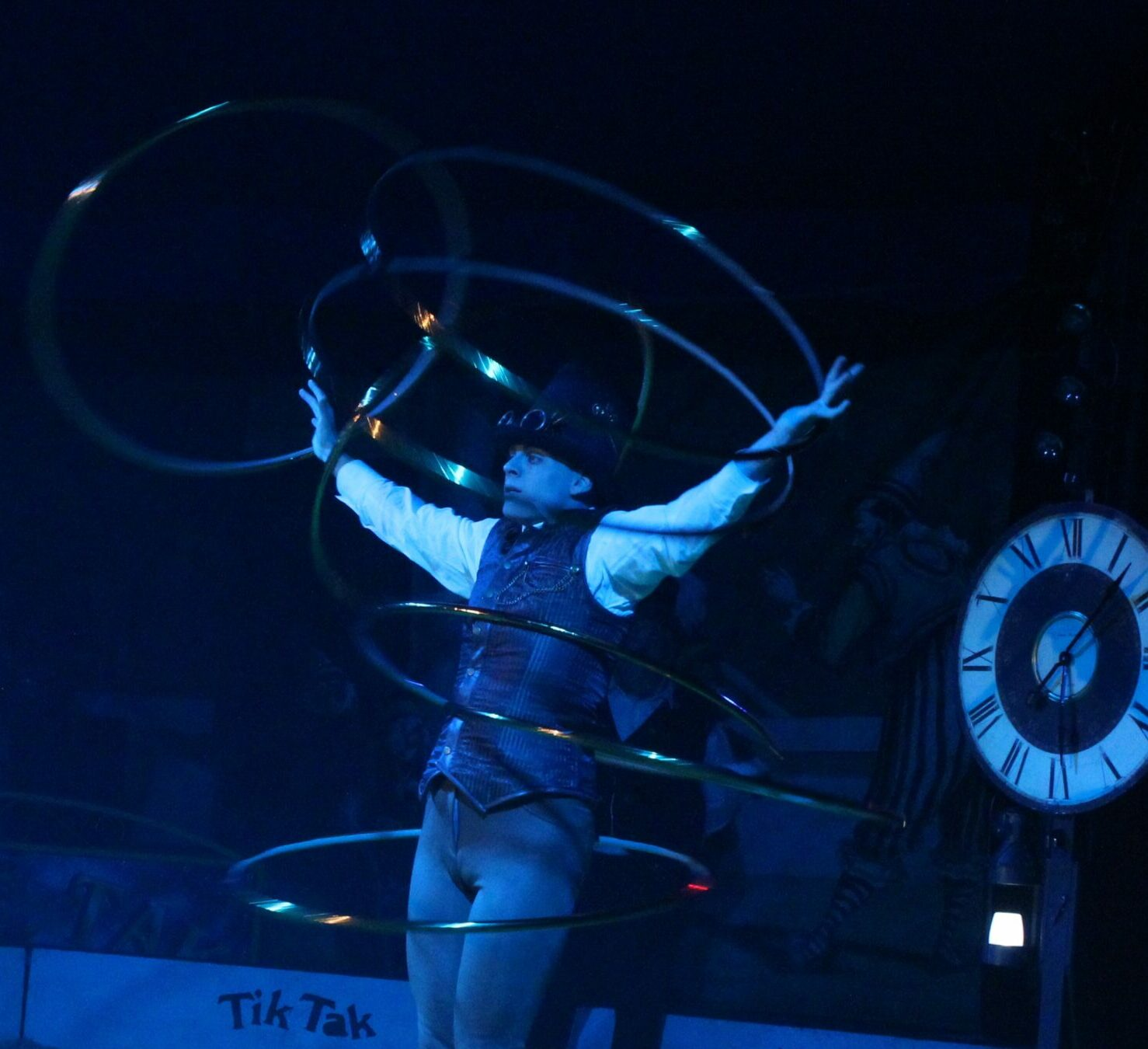 Why do you need to book this circus artist in Belgium ?